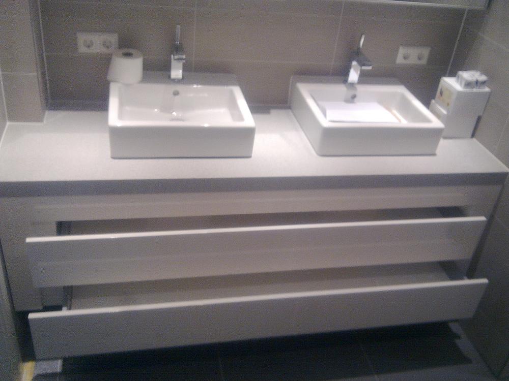 Badkamer Kastje : Badkamer kastje verbouwing