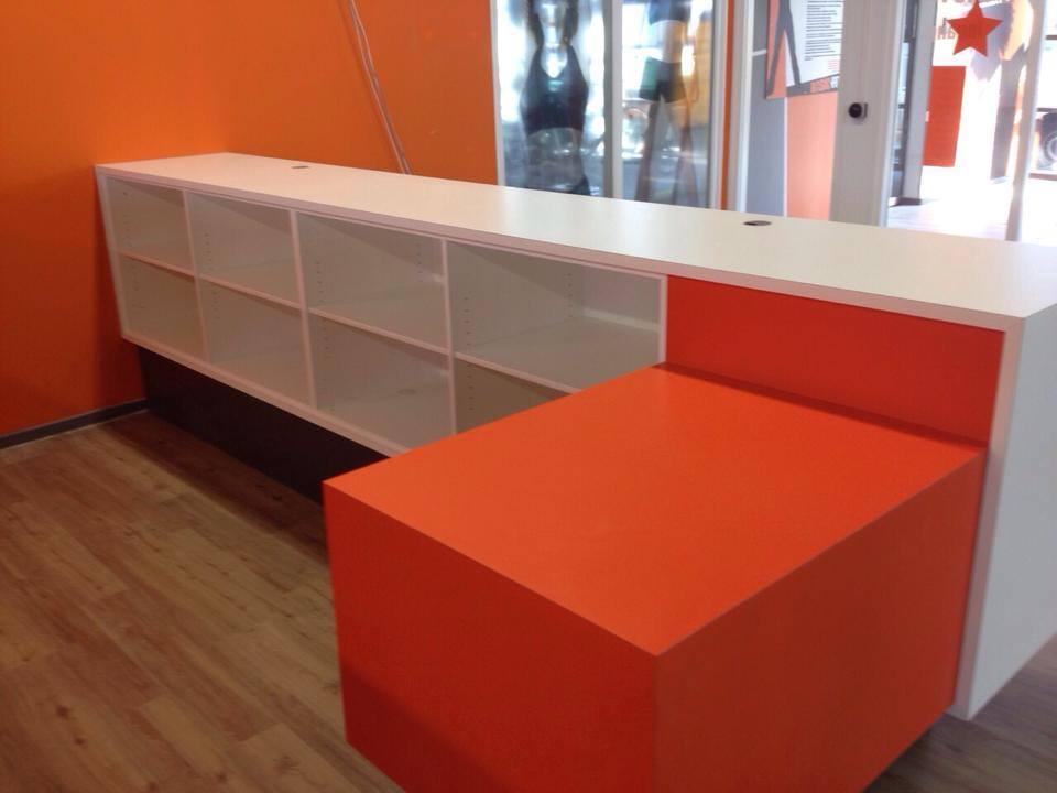 Voor Basic Fit Hoofddorp heeft Van Der Veldbouw een nieuw interieur gemaakt.